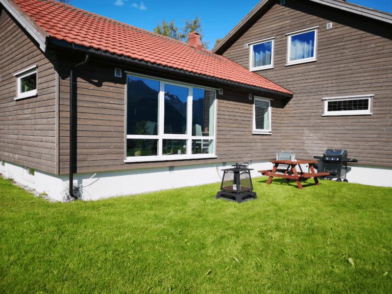 Romsdalseggen Lodge Hage Grill Uteområde