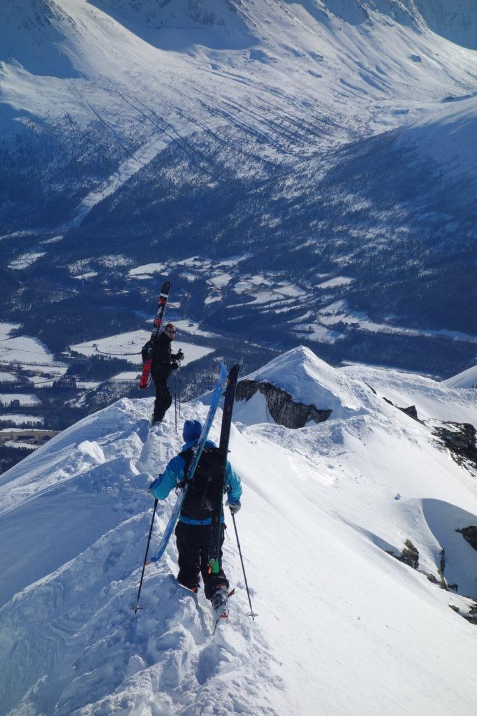 Randonee Isfjorden Romsdalseggen